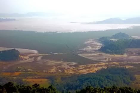 Quang cảnh nhìn từ hải đăng Cô Tô – Ảnh: baoquangninh.