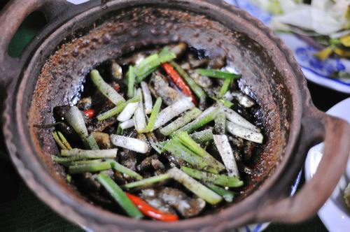 Món ngon ở Hậu Giang: Cá bống dừa, cá linh kho tiêu.