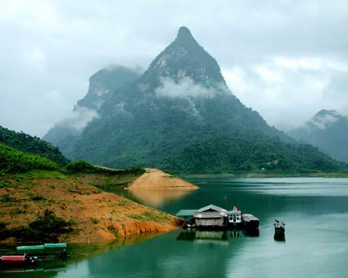 Một cảnh ở khu Nam của hồ