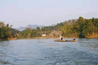 Thuyền trên hồ Pá Khoang – Ảnh: nguồn webthehinh.com