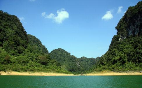Hồ Thang Hen