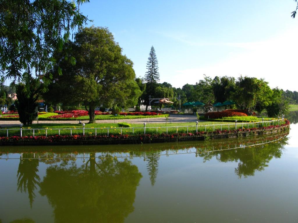 Một góc hồ Xuân Hương