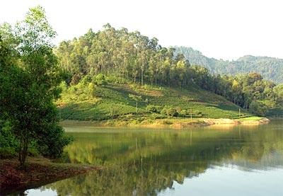 Hồ Yên Lập – Chùa Lôi Âm