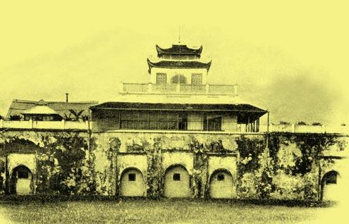 Đoan Môn - cửa chính đi vào Hoàng thành Thăng Long xưa.