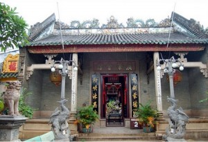 Kiến trúc độc đáo , riêng biệt bên trong hội quán Quảng Đông