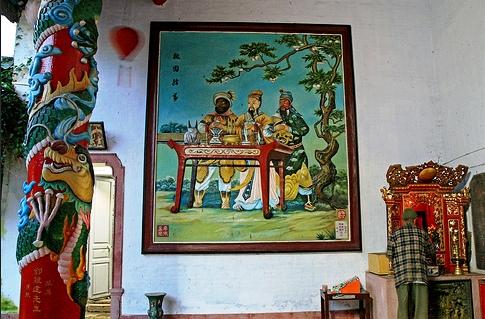 Nghệ thuật trang trí bên trong hội quán Quảng Triệu