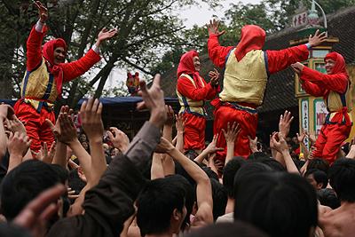 Lễ hội pháo Đồng Kỵ: Rước pháo giả, đốt pháo thật