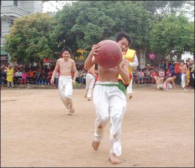 http://media.dulich24.com.vn/diemden/hoi-vat-cau-thuy-linh-5484/hoi-vat-cau-thuy-linh-5.jpg