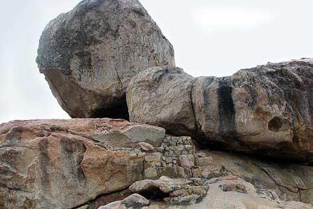 Hòn đá Chồng lớn nhất trong quần thể