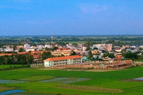ngắm toàn bộ thị trấn Tri Tôn ở độ cao khoảng 50m tại tháp phật Thích Ca