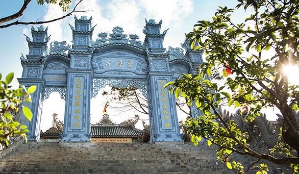 Chùa Linh Ứng - Khu du lịch tâm linh - Bà Nà Hill