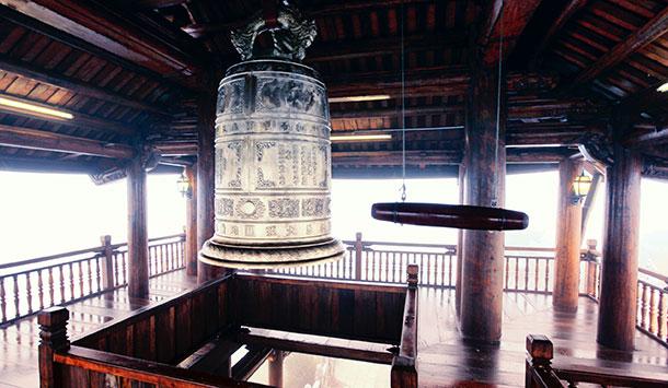 Lầu Chuông - Khu du lịch tâm linh - Bà Nà Hill