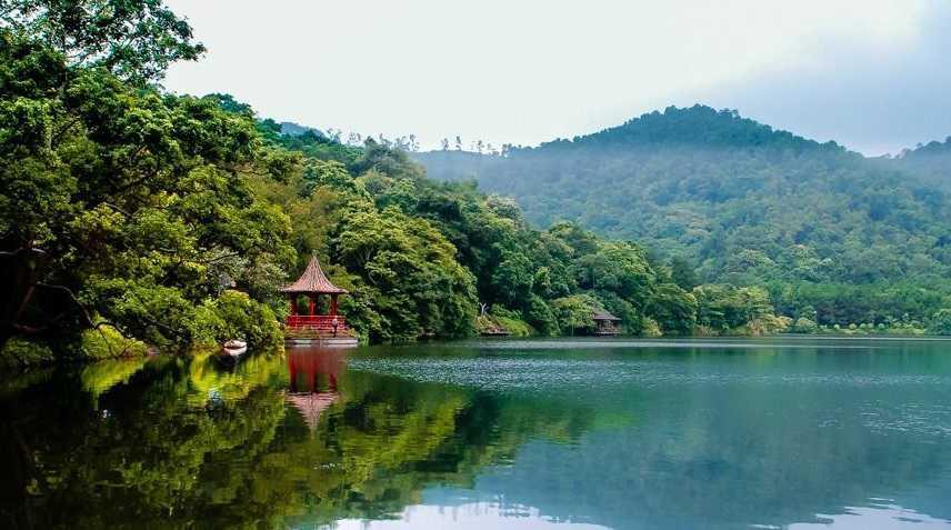 Cảnh quan thiên nhiên xanh tươi, trong lành của Ba Vì.