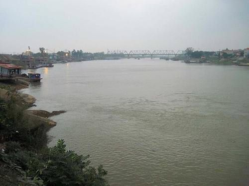 Sông gắn liền với cuộc sống của người dân