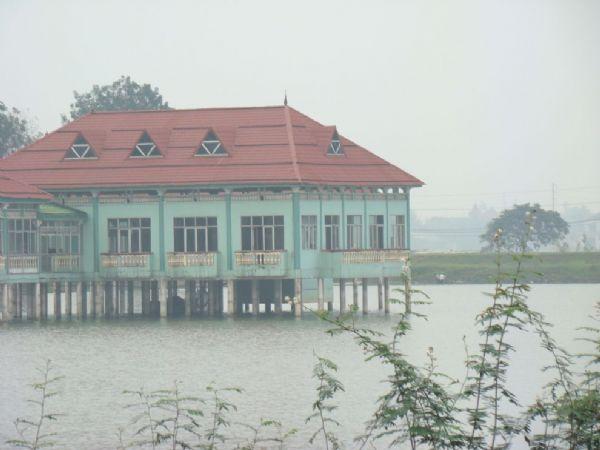 Khu du lịch hồ Cửa Nam