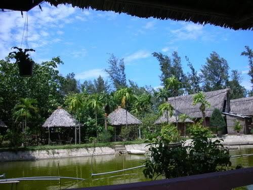 Khu nhà ,chòi, lều nghỉ chân và các dịch vụ giải trí (câu cá...) tại Thuận Tình