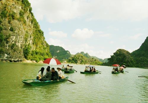 Chèo thuyền trên sông nhân tạo