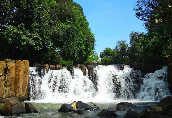 Khu du lịch Suối Lam