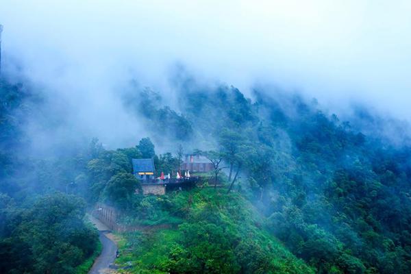 Quán Cafe Gió Tam Đảo là điểm chụp hình đẹp nhất ở Tam Đảo.