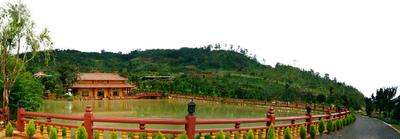 Anh chụp  bao quát  cảnh  Trần Lê Gia Trang từ trên cao
