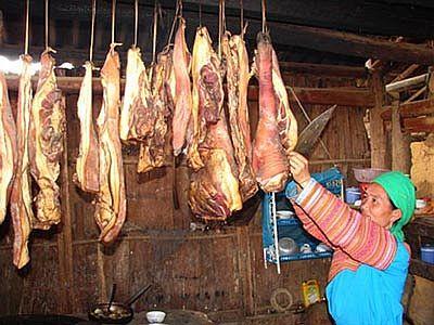 Thịt lợn treo gác bếp
