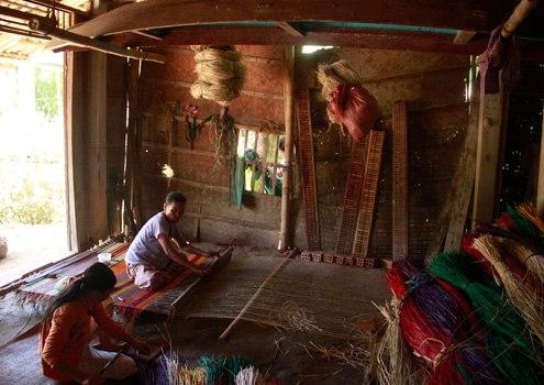 Một gia đình với nghề làm chiếu truyền thống