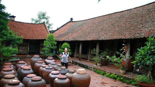 Các ngôi nhà cổ tại Đường Lâm