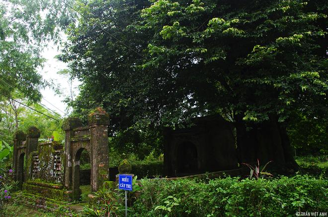 Tên gọi đầu tiên của làng là Phúc Giang, như mong muốn một vùng gần sông nước nhiều phúc lộc
