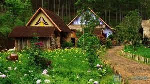 Những ngôi nhà quanh thung lũng Cù Lân