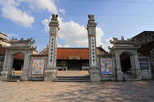 Đình làng Gốm Bát Tràng.