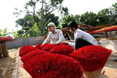 http://media.dulich24.com.vn/diemden/lang-huong-yen-phu-6265/lang-huong-yen-phu-2.jpg