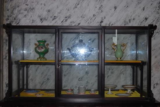 Những vật dụng của Vua được trang trí trong Lăng