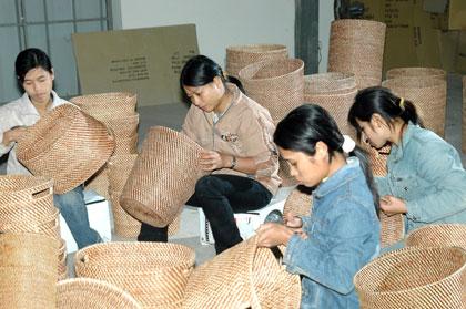 http://media.dulich24.com.vn/diemden/lang-may-tre-dan-phu-vinh-4147/lang-may-tre-dan-phu-vinh-2.jpg