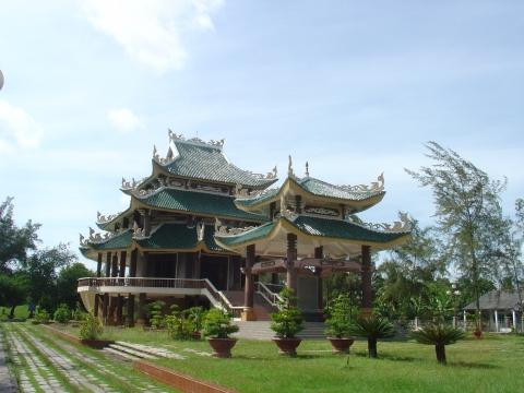 Điểm du lịch hấp dẫn: Lăng mộ Nguyễn Đình Chiểu
