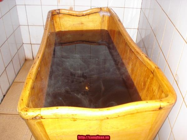 Tắm nước lá