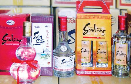 Truyền thuyết người Dao truyền tụng rằng rượu San Lùng là rượu của trời, của các đấng thiên tinh
