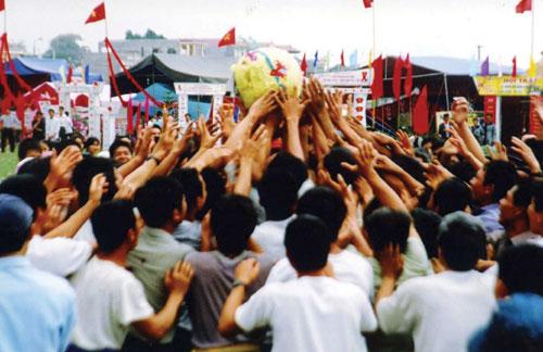Lễ hội cướp cầu vùng Yên Thế