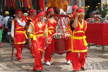 http://media.dulich24.com.vn/diemden/le-hoi-den-ba-chua-4955/le-hoi-den-ba-chua-4.jpg