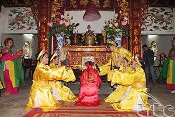 http://media.dulich24.com.vn/diemden/le-hoi-den-ba-chua-4955/le-hoi-den-ba-chua-7.jpg