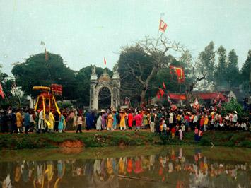 Lễ hội Mai Hắc Đế
