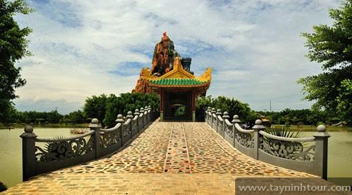 Long Điền Sơn - Phong cảnh hữu tình