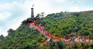 Cột cờ Lũng Cú - Điểm du lịch hấp dẫn Hà Giang