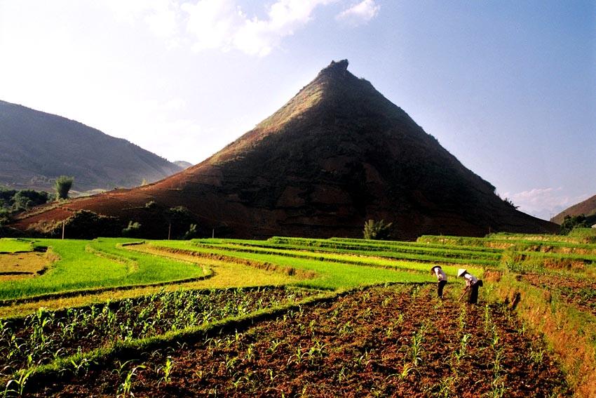 cảnh vật yên bình ở Than Uyên - Lai Châu