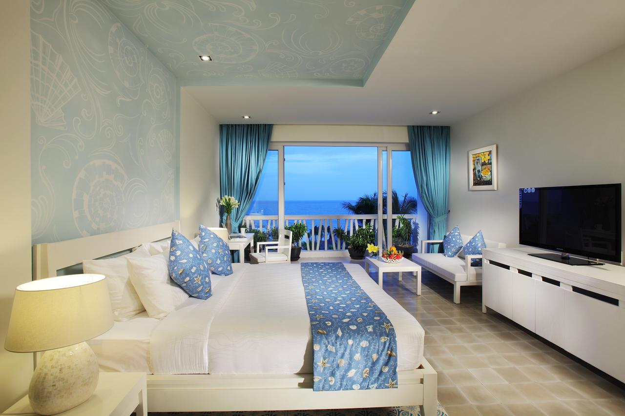 Phòng ở Mũi Né tiện nghi, hiện đại và thường có tầm nhìn ra biển rất đẹp.