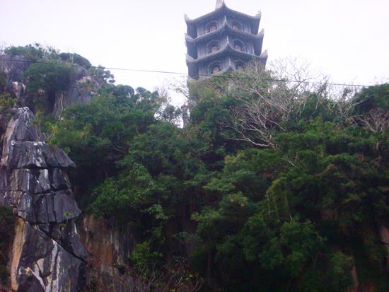 1 ngôi tháp