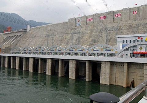 Đập chính nhà máy thủy điện Sơn La. Ảnh: Chinhphu.vn