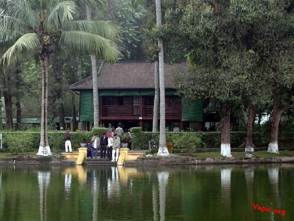 Nhà sàn Bác Hồ