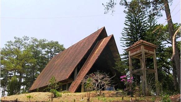 Nhà thờ gỗ Cam Ly