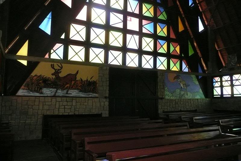 Họa tiết trang trí bên trong nhà thờ