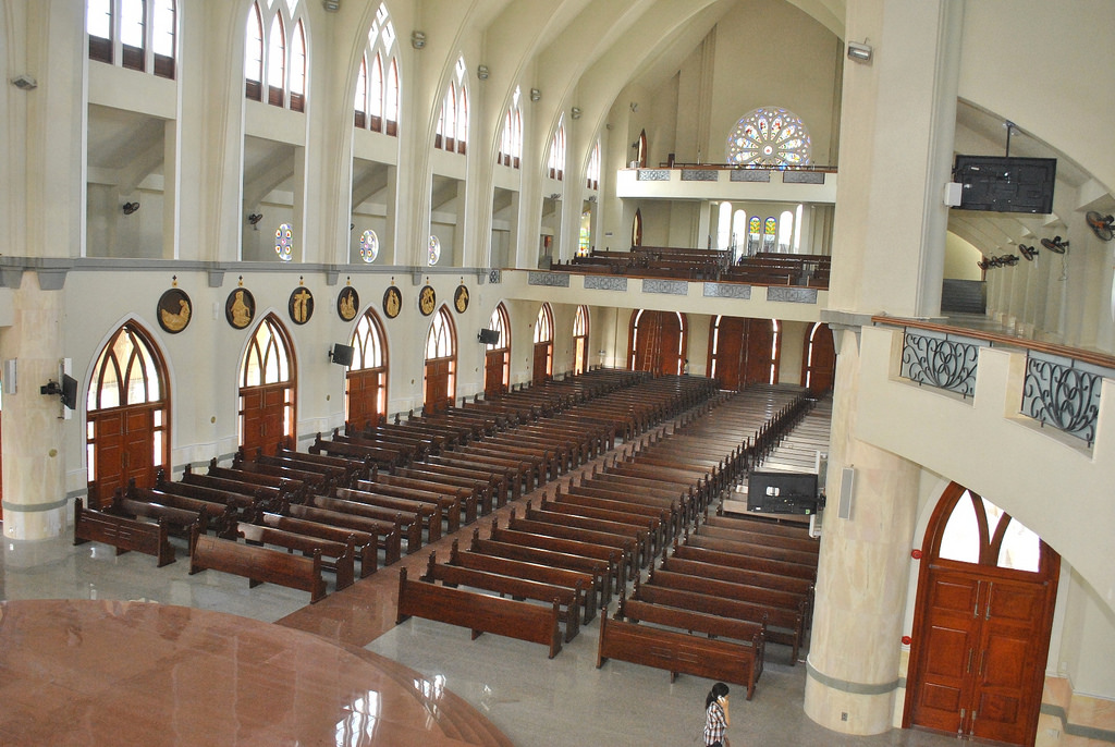 Toàn cảnh bên trong nhà thờ